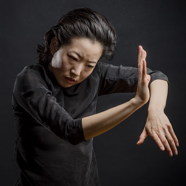 Arika Yamada PhotoBySven hands